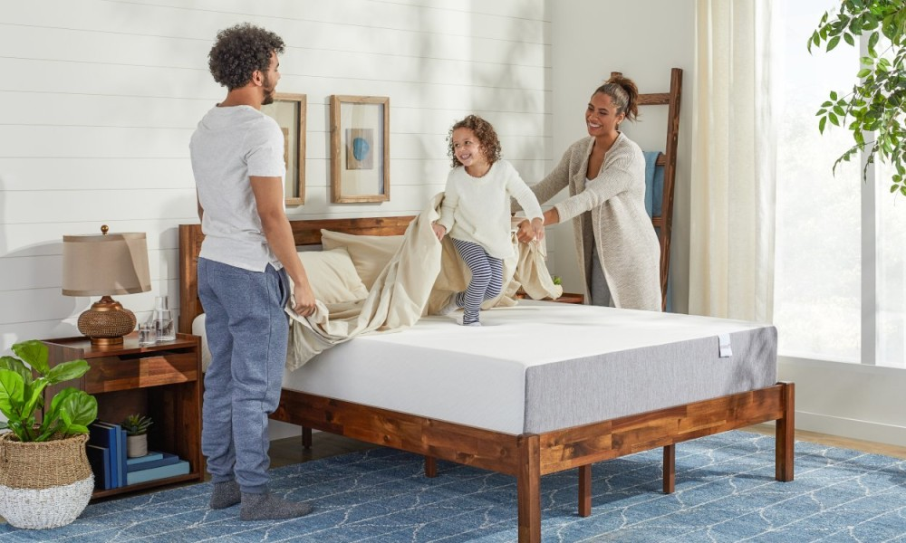 tips to choose queen size mattress for your bedroom guide2. Black Bedroom Furniture Sets. Home Design Ideas