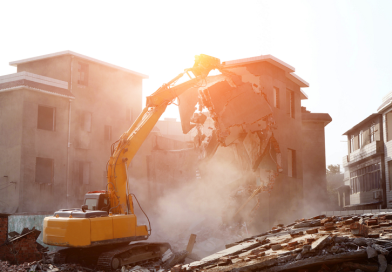 Demolition Contractor and Tip to Hire Them